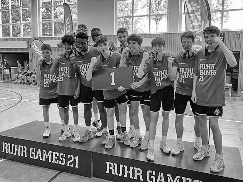 """Nico gewinnt mit dem <span class=""""caps"""">HBV</span> Team 07 das Finale bei den Ruhr-Games"""